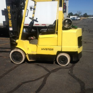 Hyster-8000